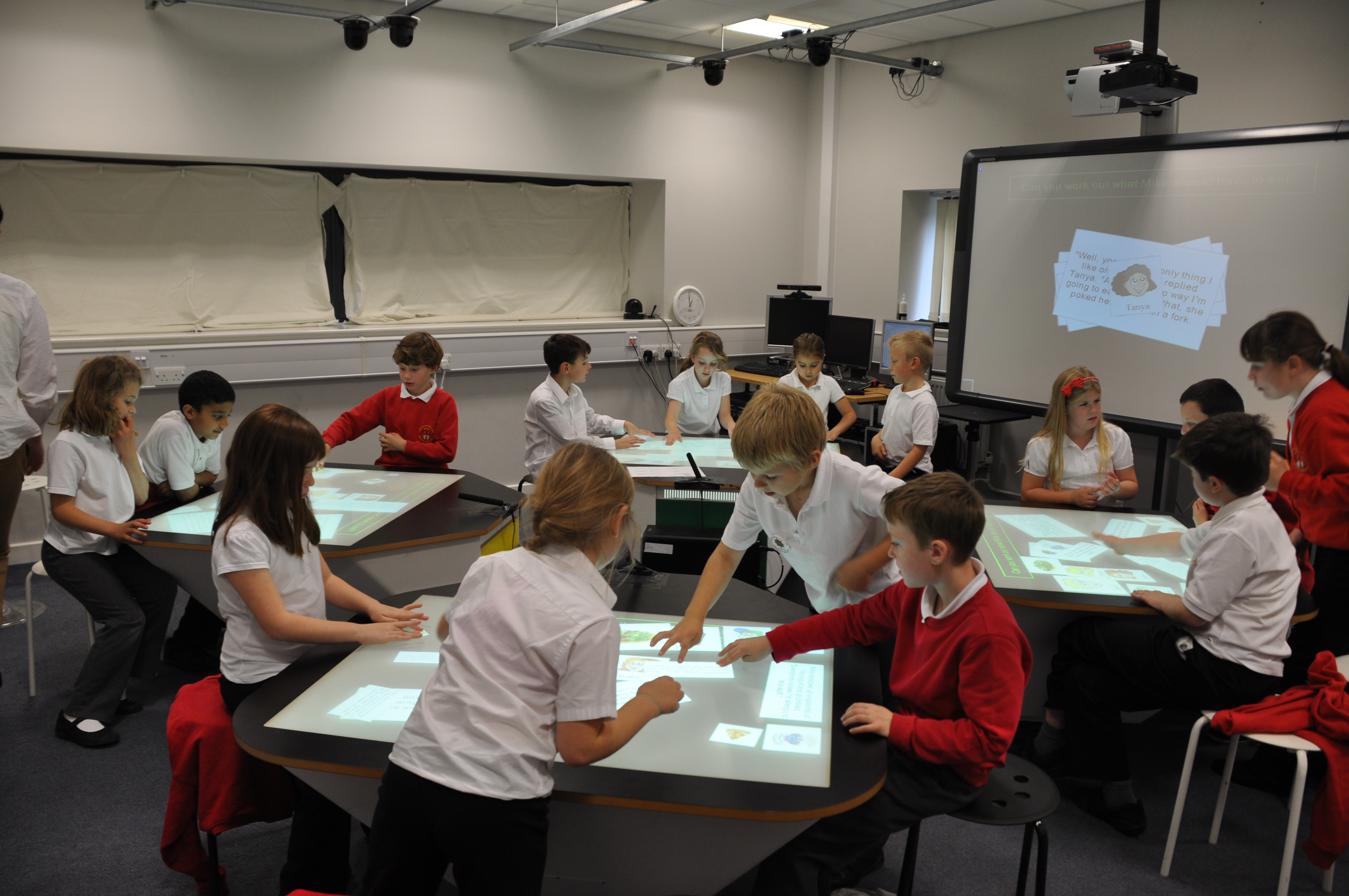 Multi touch tables for the classroom of the future for Tables and desks in the classroom