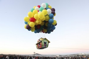 Jonathan Trappe: Cluster Balloon. Flying House. Up.